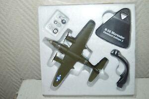 AVION-BOMBARDIER-GEANT-CIEL-B-26-MARAUDER-CLEVELAND-CALLOPE-3-PLANE-ATLAS-NEUF