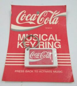 Coca-Cola-musical-keyring-RARE-1990-Keychain-old-Coke-brand-Vintage-Soda