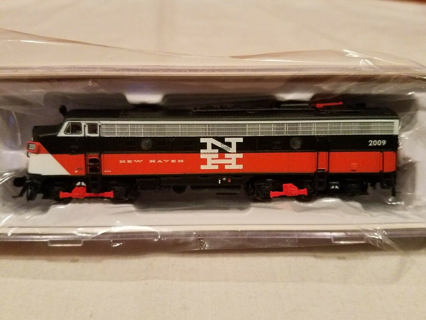 N SCALE RAPIDO TRAINS 15503 EMD FL9 NH EDER-5 DCC SOUND EQUIPPED NEW