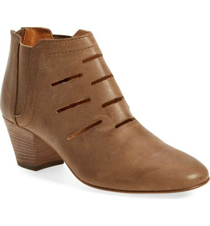 NEW Aquatalia Beige Leather Freida Water-Resistant Ankle Boots, Size 5.5, $395