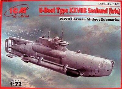 ICM 1/72 WWII German U-Boat Type XXVIIB Seehund (Late) Midget Submarine ICM7