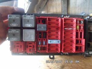 06 Ford E350 Fuse Box **4C24-14B125-AA**
