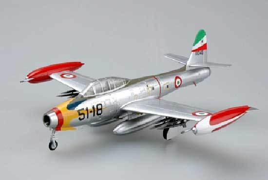 simple, facile modèle - F-84G Italie AIR FORCE THUNDERJET déjà Assemblé 1:72