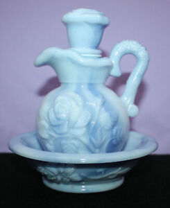 Vintage 1978 Avon Victoriana Bubble Bath Pitcher and Saucer ~ Blue with Box