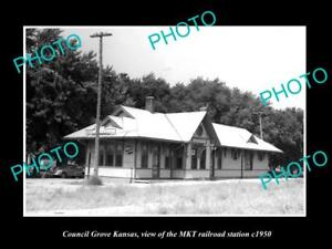 OLD-LARGE-HISTORIC-PHOTO-OF-COUNCIL-GROVE-KANSAS-THE-MKT-RAILROAD-STATION-c1950