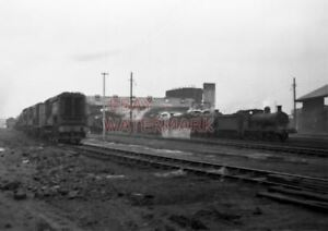 PHOTO-HITHER-GREEN-LOCO-SHEDS-ON-18TH-JAN-1958