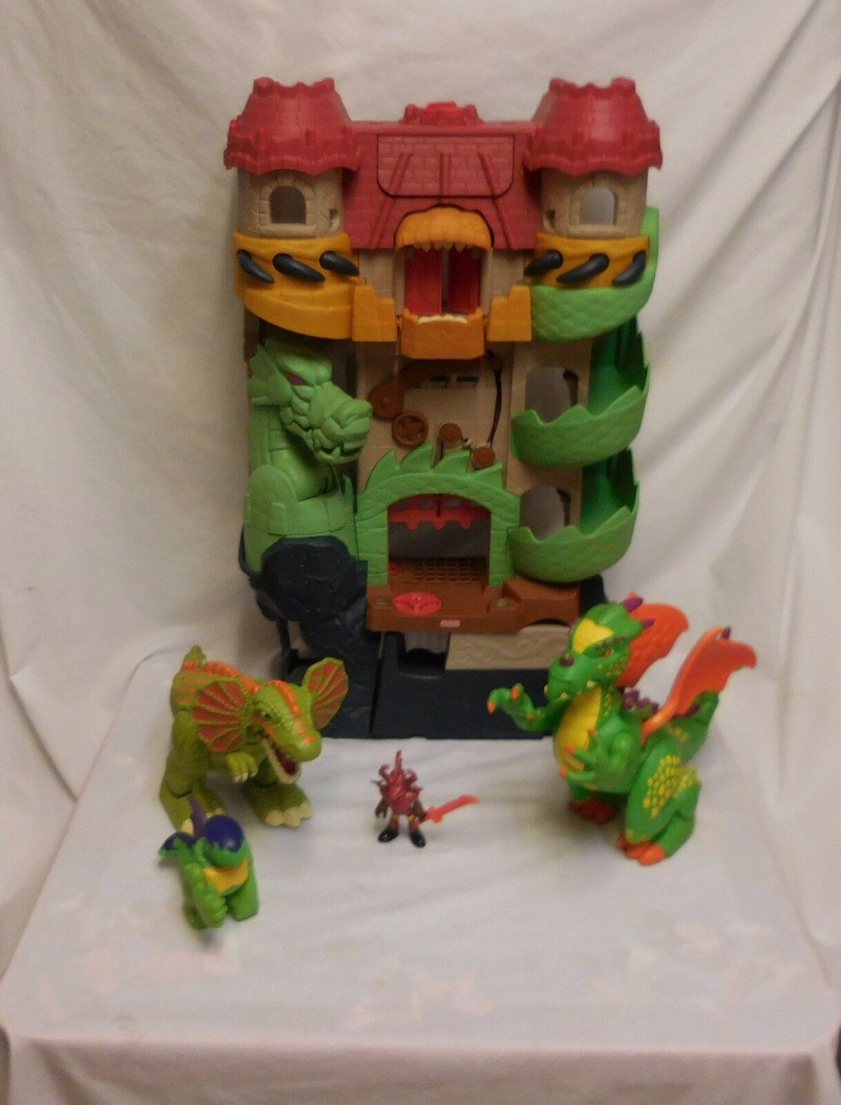 Fisher Price Imaginext dragon world castle fortress + Dilophosarus + Dragons +