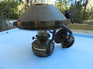 Vintage-Brass-Gimbal-Wall-Ship-or-Rail-Road-Light