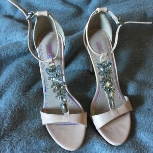 Nude Kurt Geiger Miss KG Heels Ankle Straps with