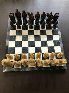 Jeu d'échecs vintage - Plateau en marbre et pièces de résine
