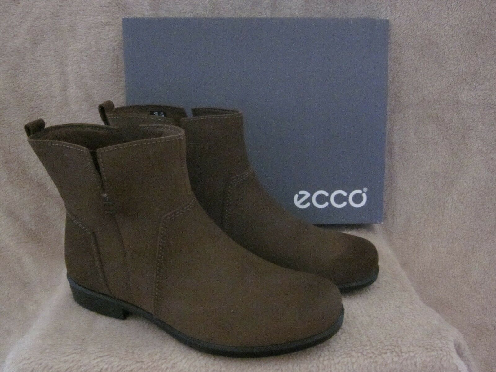 ECCO Touch 25 B Mid Cut Suede Leather Ankle Boots Shoes US 9 - 9.5 M EUR 40 NWB