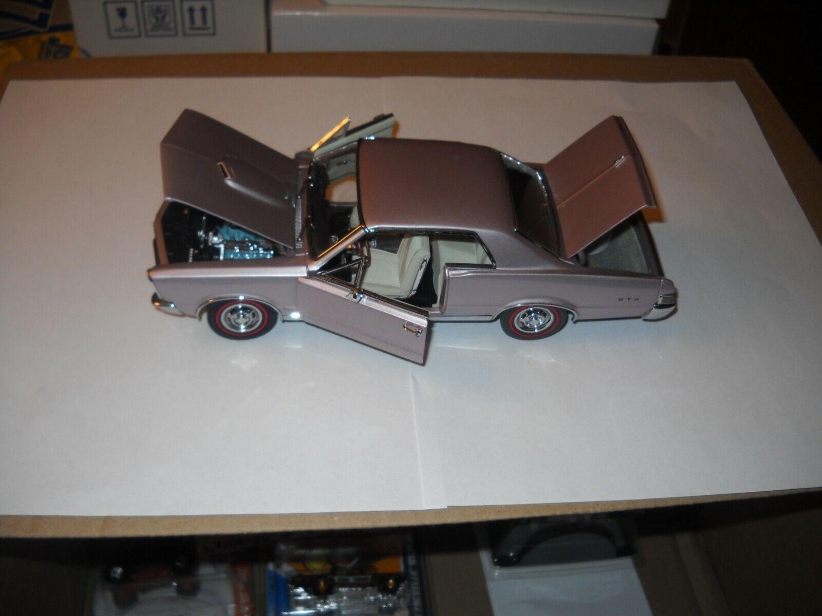 DANBURY  MINT1965 PONTIAC GTO 1 24 IRIS-MIST-MAUVE --AWESOME LOOKING