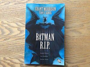 Batman-R-i-p-Graphic-Novel-Look-In-The-Shop