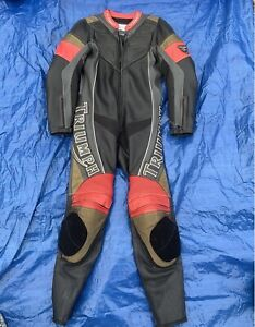 Triumph-Motorbike-motorcycle-Racing-Leathers-full-suit-black-gold-red-VGC-38