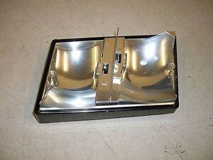 Skoda-Favorit-lente-de-luz-de-Con-Bulbo-y-soporte-115924101-Nuevo-Genuino-Skoda-parte