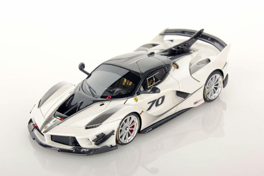 Ferrari FXX-K Evo Bianco italia 1 43  LS486 Looksmart