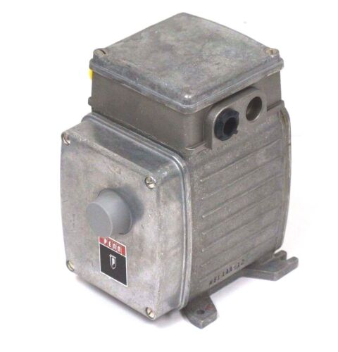 NEW JOHNSON CONTROLS M81AAA12 MOTOR ACTUATOR 24VAC, 5060HZ, M81AAA12