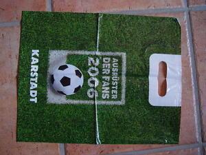 Tragetasche-karstadt-Fussball-WM-2006-Fans-Ausruester-Rasen-Plastiktasche