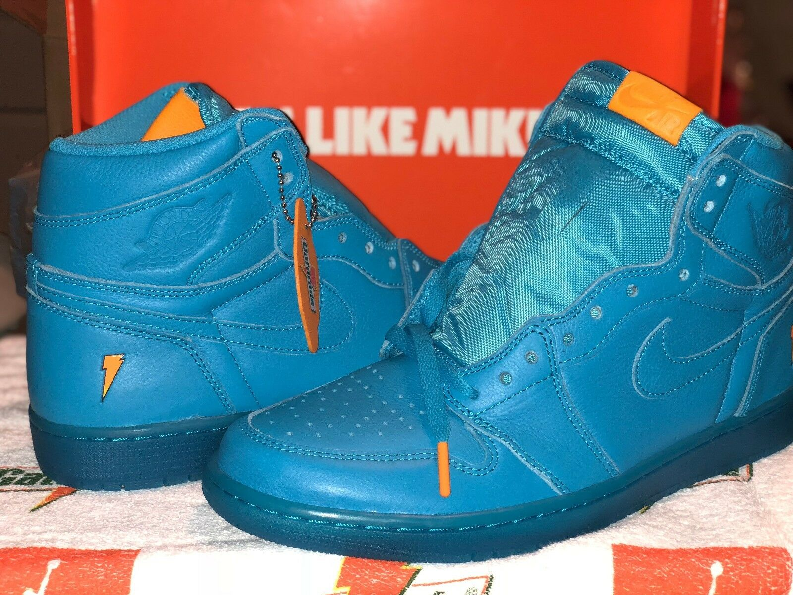 941ac1d8e4e1 ... AIR JORDAN I (1) COOL COOL COOL BLUE RETRO HIGH OG GATORADE PACK NIKE  ...