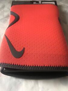 0c3285f3a5 Nike INTENSITY KNEE SLEEVES Medium Men's Crossfit Weightlifting Knee ...