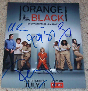 ORANGE-IS-THE-NEW-BLACK-SIGNED-8x10-PHOTO-w-PROOF-TAYLOR-SCHILLING-4-AUTOGRAPH