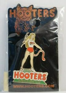 ANDERSON SOUTH CAROLINA SC HOOTERS RESTAURANT CLEMSON TIGERS TAIL GIRL LAPEL PIN
