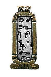 Pendentif-Egyptien-Cartouche-Cleopatre-En-Etain-Argente-releve-a-l-039-or-Chaine