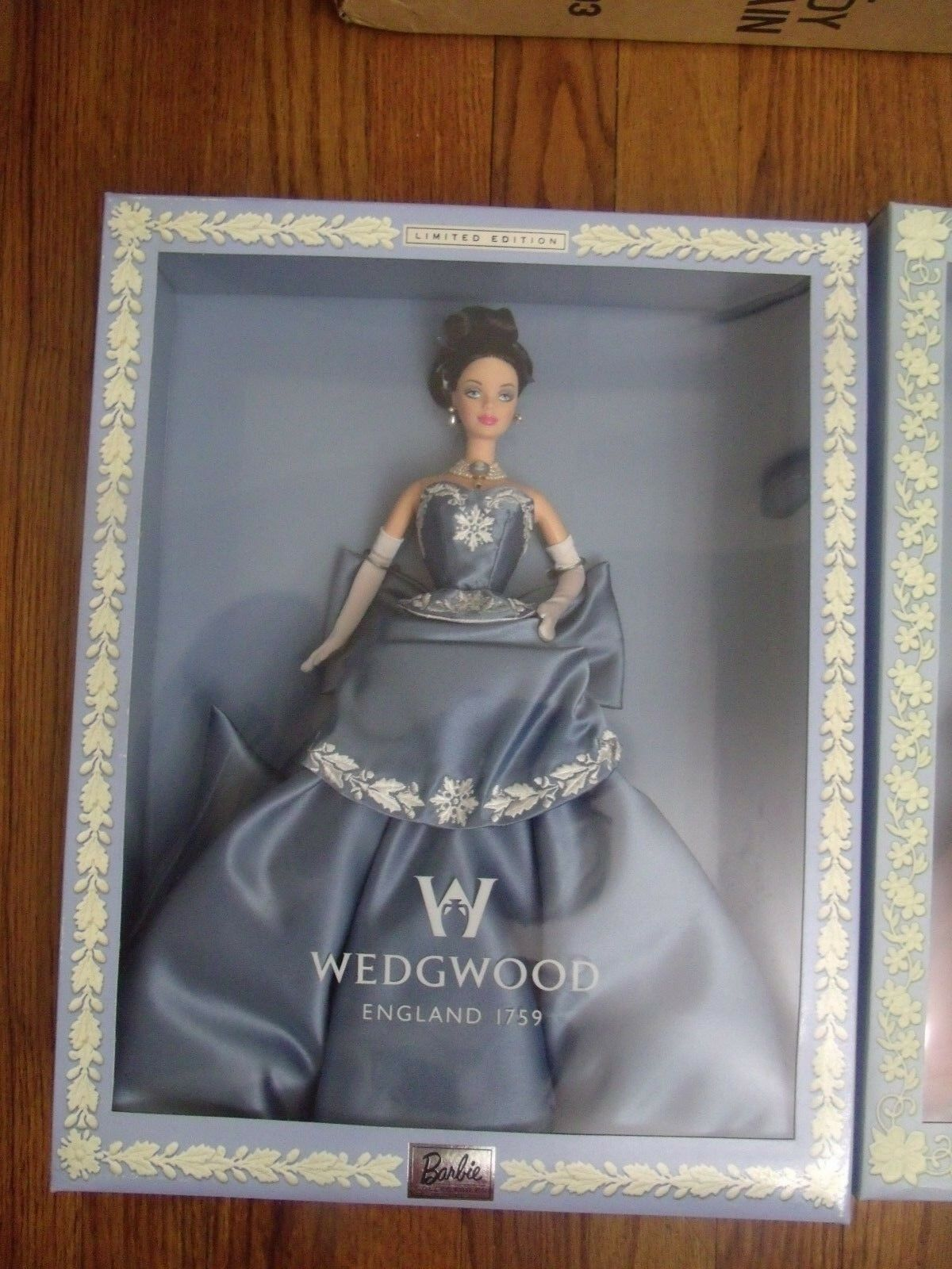 1999 Blau Wedgwood Barbie Limited Edition
