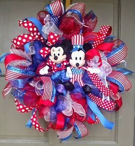 Handmade-4th-of-July-Patriotic-Mickey-Mouse-Minnie-Mouse-Deco-Mesh-Door-Wreath