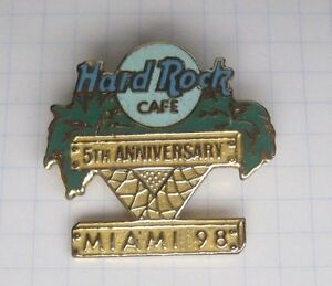 HARD-ROCK-CAFE-MIAMI-5th-ANNYVERSARY-98-Pin-Spange-Ka2