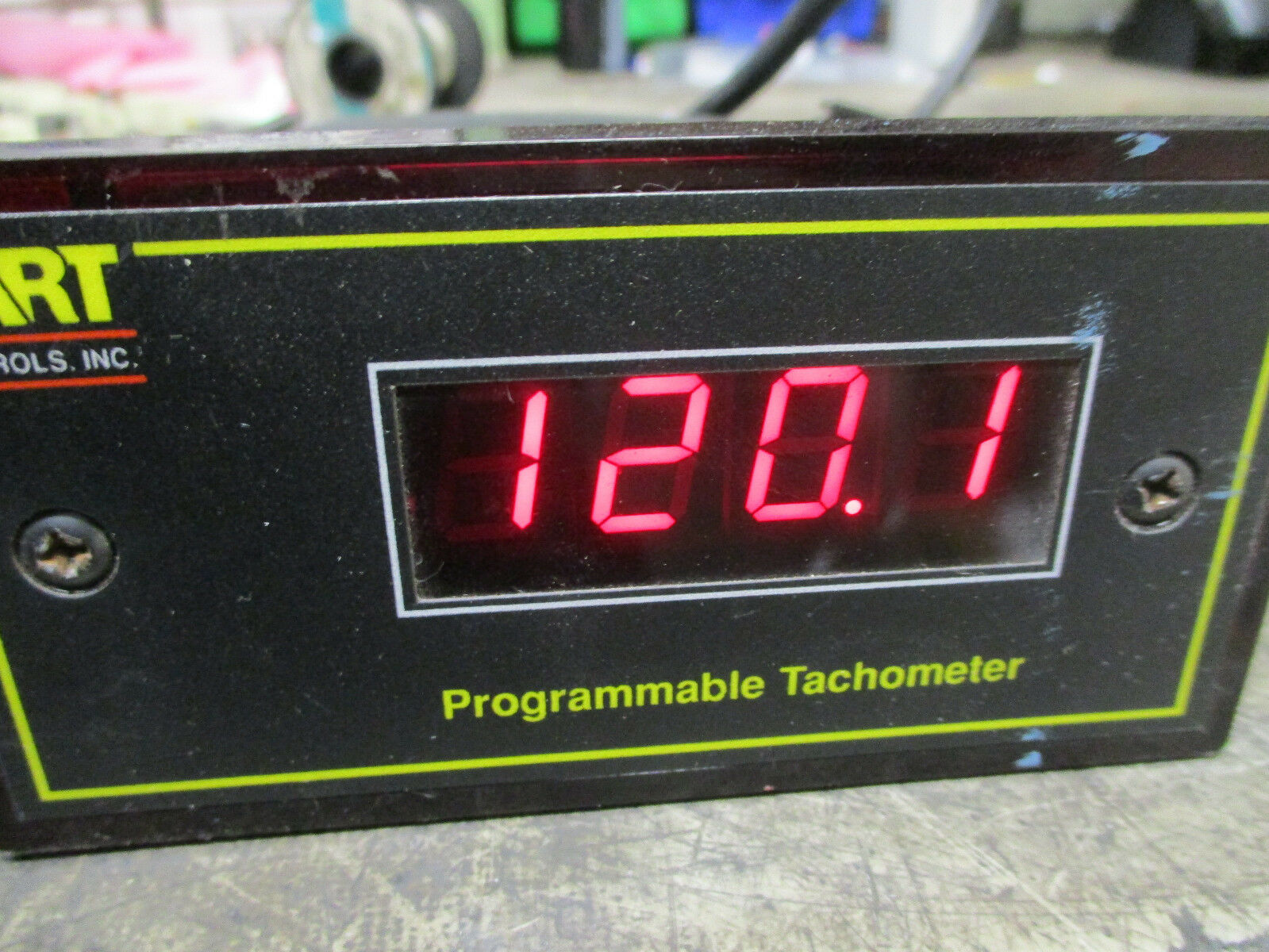 DART DM4004 Series programmable Tachometer 120VAC DARt Control DM4004 Tested