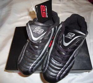 Crampons De Foot Garçon's 13 Noir Sport Athletic Neuf Avec étiquettes-afficher Le Titre D'origine