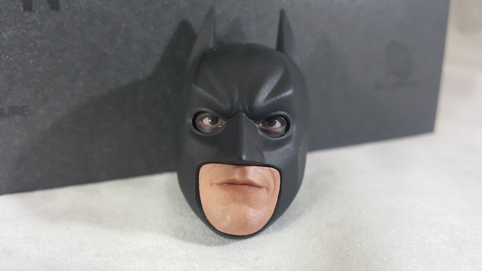 Hot Toys Genuine 1:6 scale DX12 Batman action figure's PERS eye head sculpt