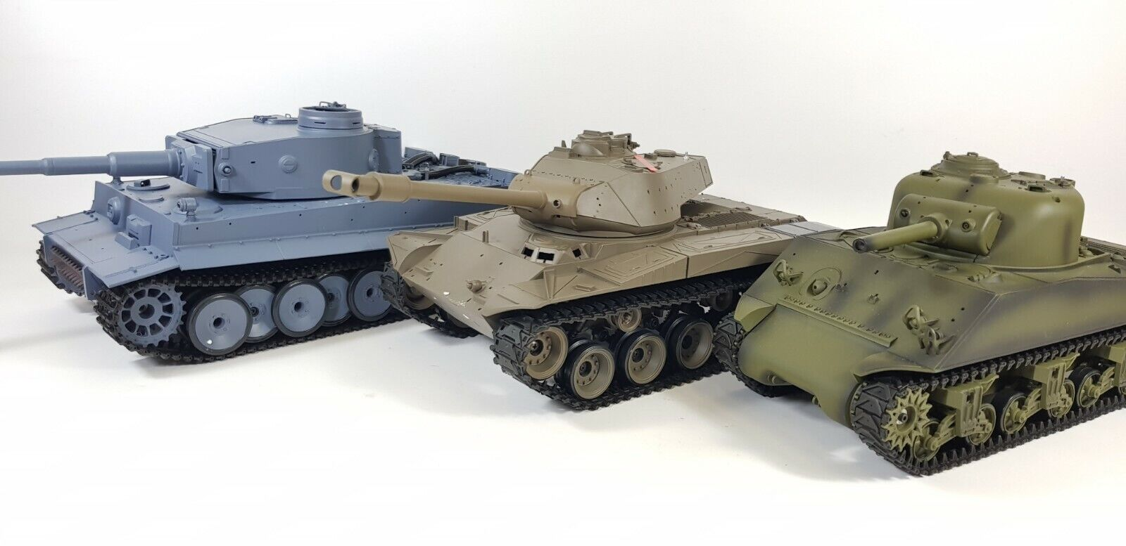 HENG LONG RC 2.4G TIGER SHERMAN CHALLENGER BULLDOG T90 PANZER TEDESCO US Panther