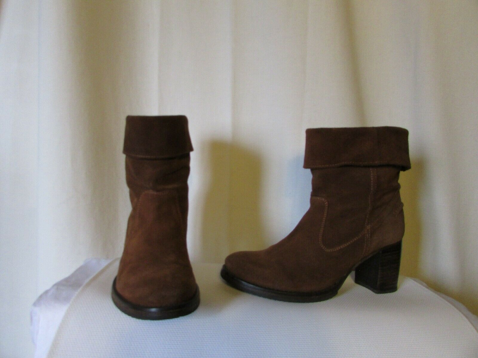 Bottines hakei daim fauve pointure 38
