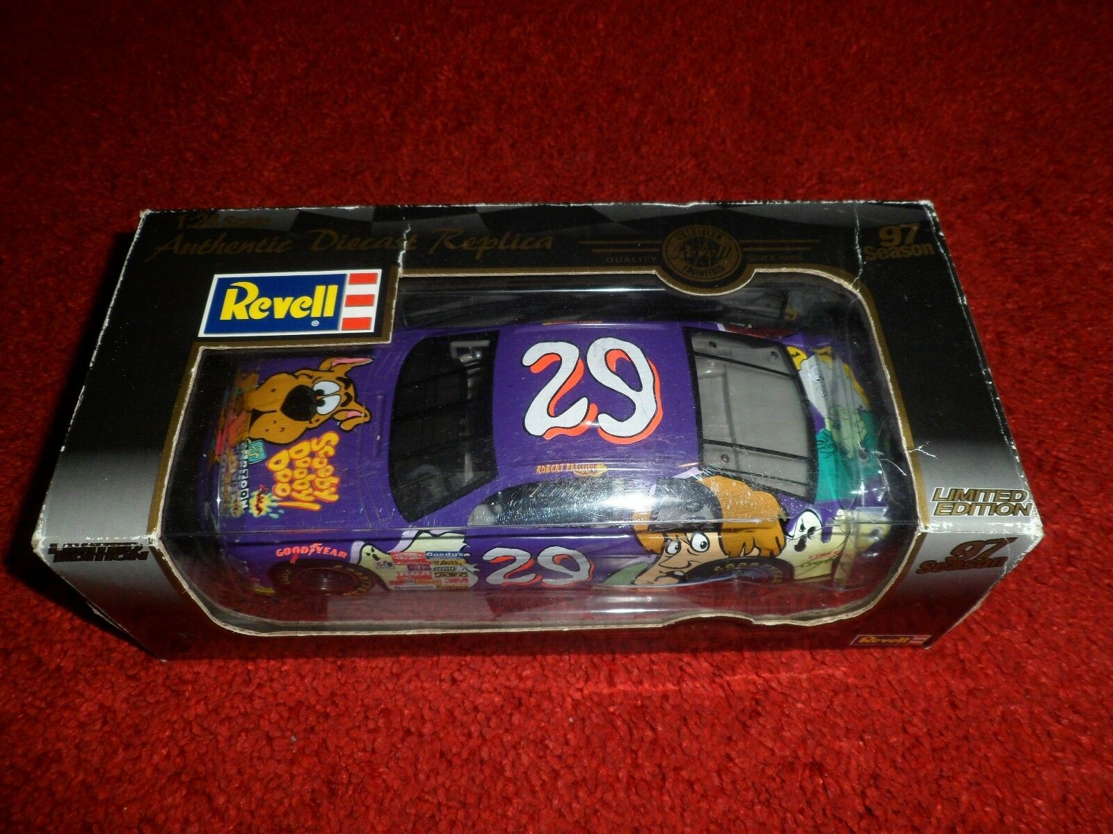 1 24 Scale Authentic Diecast Replica Revell, 1997 Season, 4406, LIMITED EDITION
