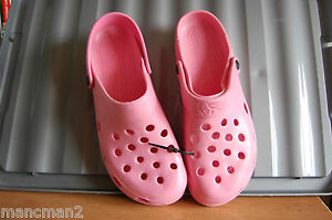 a80281a0e48c HOLEY SOLES SANDELS CROCS PINK RED BLUE VARIOUS SIZES