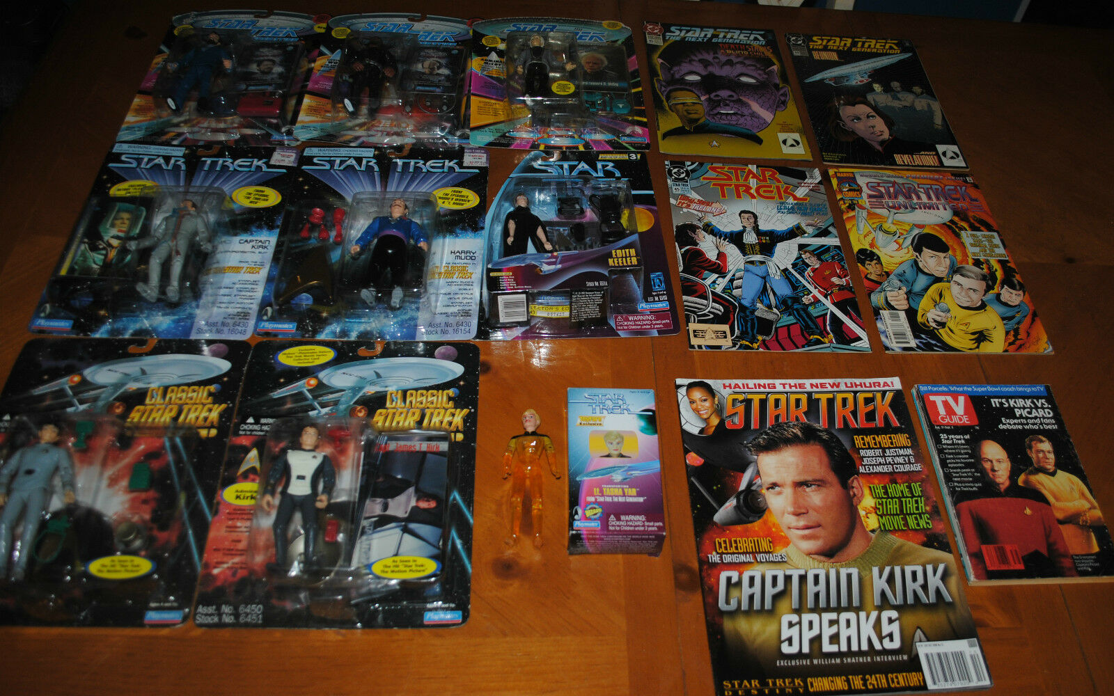 HUGE COLLECTION LOT STAR TREK   THE NEXT GENERATION FIGURES & COMICS SOME RARE