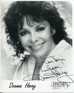 DEANNE HENRY AUTOGRAPH ACTRESS IN THE DEAD ZONE / DARK ANGEL SIGNED PHOTO