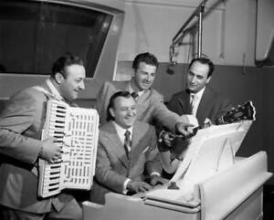 OLD-CBS-RADIO-PHOTO-Radio-Music-Program-Dick-Jurgens-Treasury-Show-2