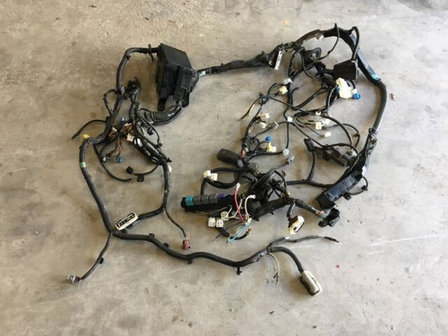 2006-2008 lexus is250 under hood engine fuse box main motor wire harness  oem 08