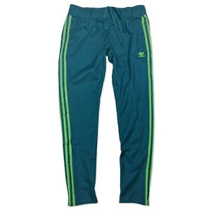 ensemble adidas vert kaki