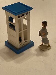 MINIATURE-Phone-Booth-Plus-Lady-For-MODEL-TRAIN-Help-A-Widow-Buy-Today