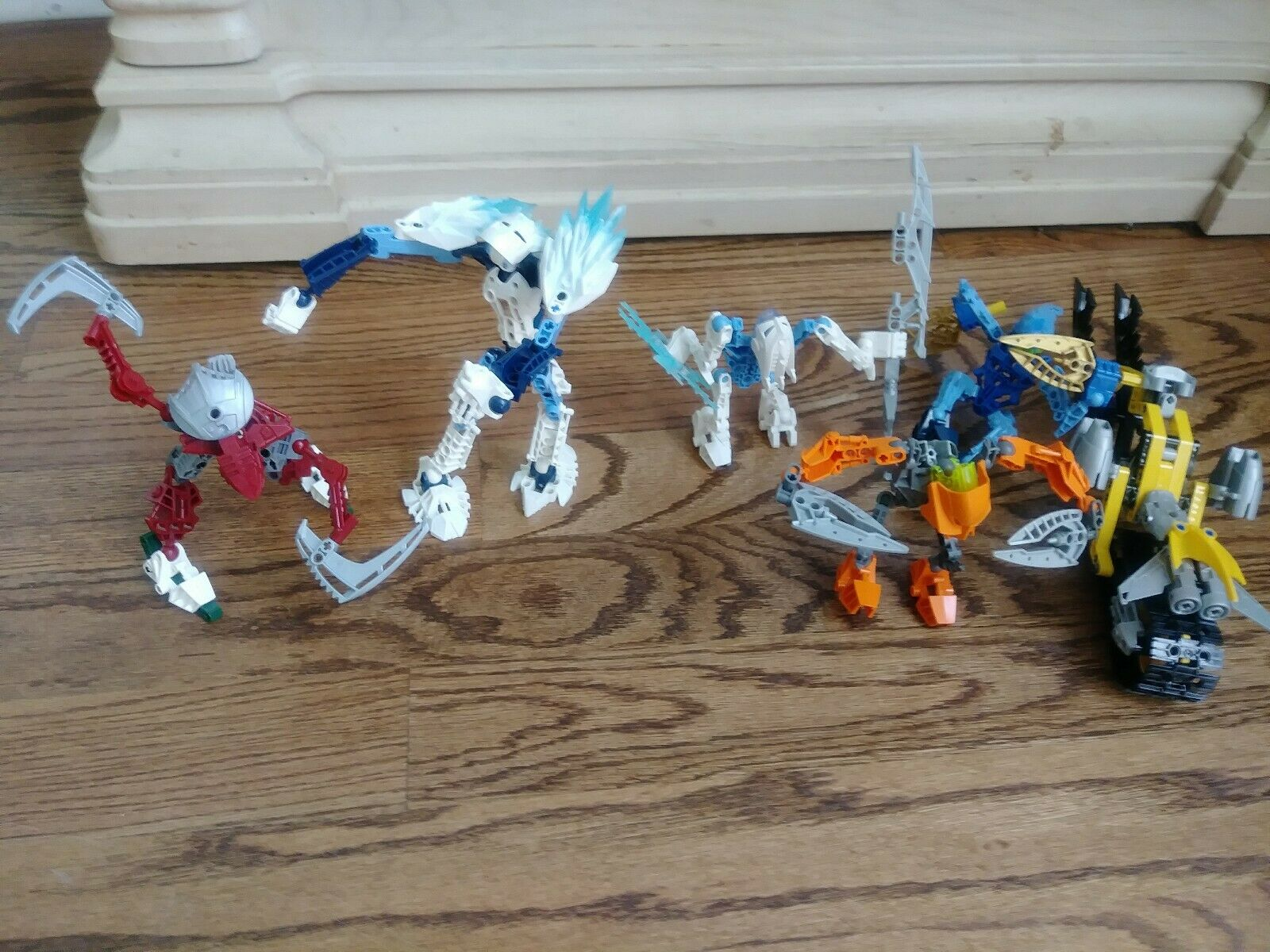 Bionicle  Lot of 5 Lego Transformers With Weapons and vehicles