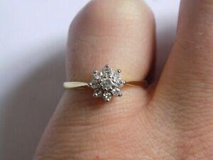 18ct-oro-antiguo-de-exquisita-Diamond-Cluster-anillo-tamano-N-completo-caracteristicas-distintivas