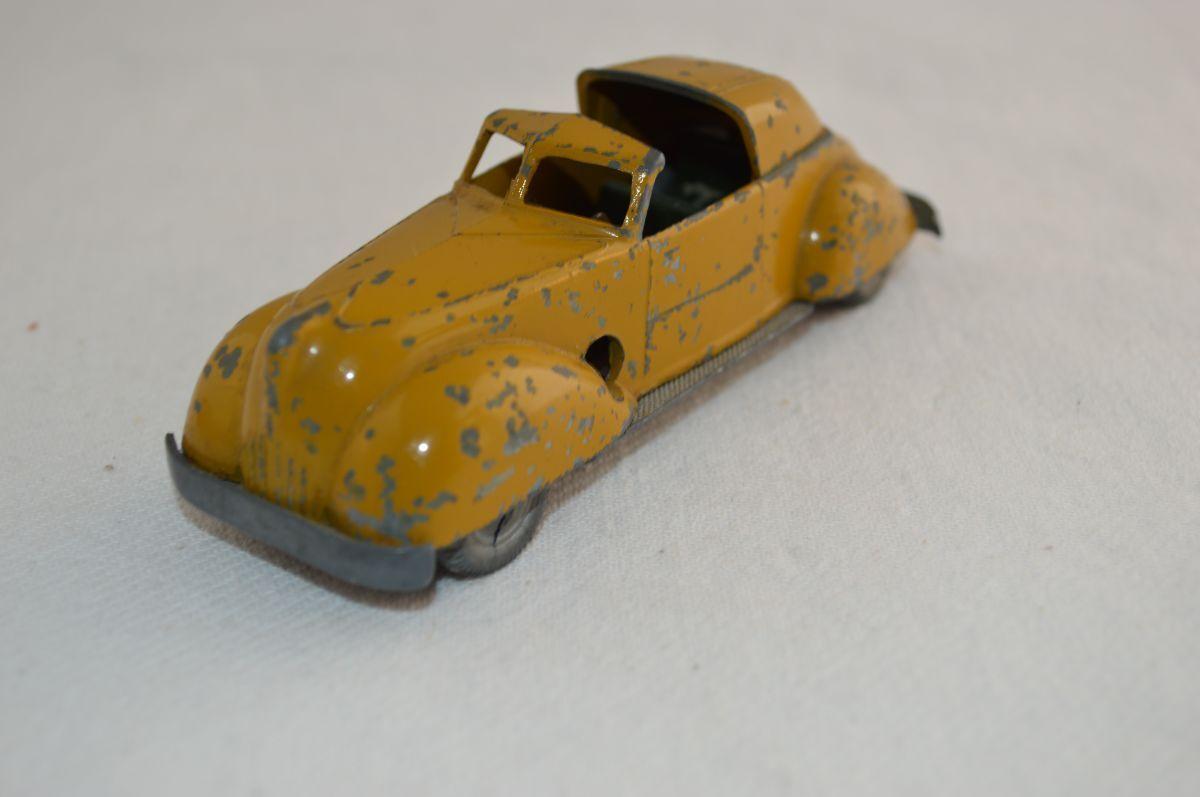 Solido demontable No. 223 Matford Cabriolet in good original condition