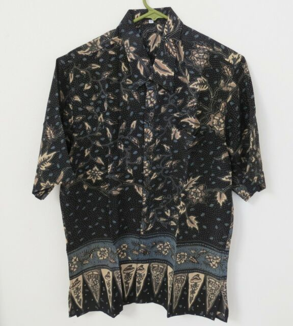 Bali Molek Design Large Blue Black Leaves Button Batik
