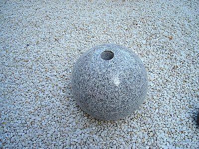 D 20 cm Granitkugel  m. Bohrung Kugel Naturstein Granit, poliert