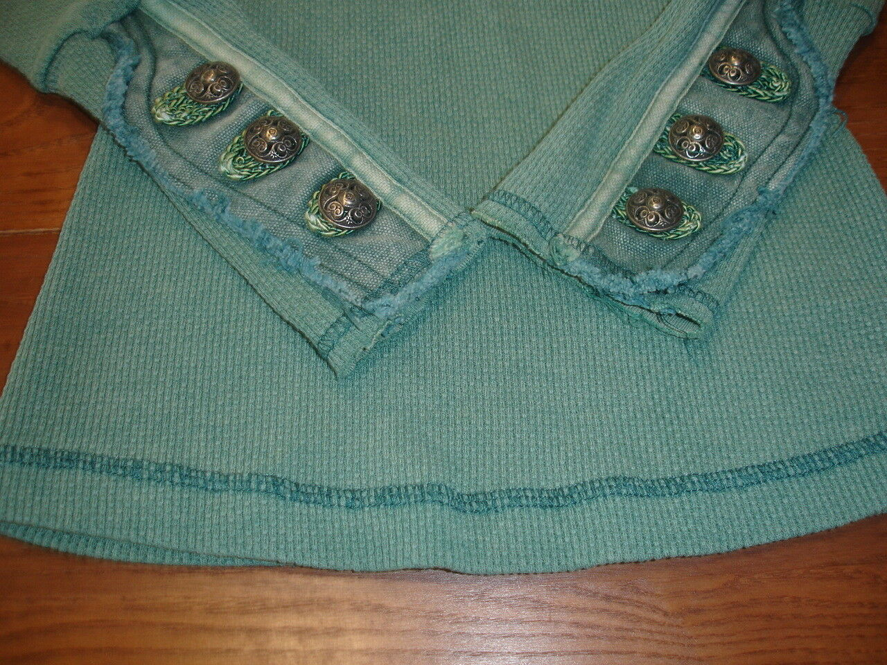 FREE PEOPLE EMERALD EMBELLISHED DISTRESSED DENIM CELTIC BUTTON MOTO CUFF THERMAL