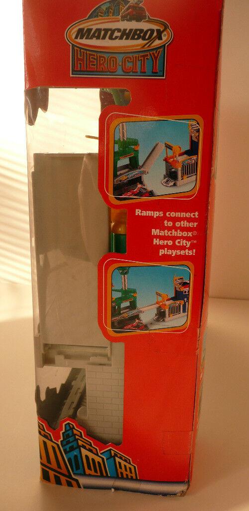 Matchbox-Hero City Jetport Jetport Jetport Set 2003- w Airplane- New Never Removed from Box e8b587